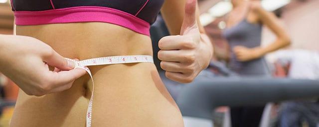 Graisse abdominale: comment faire sa peau